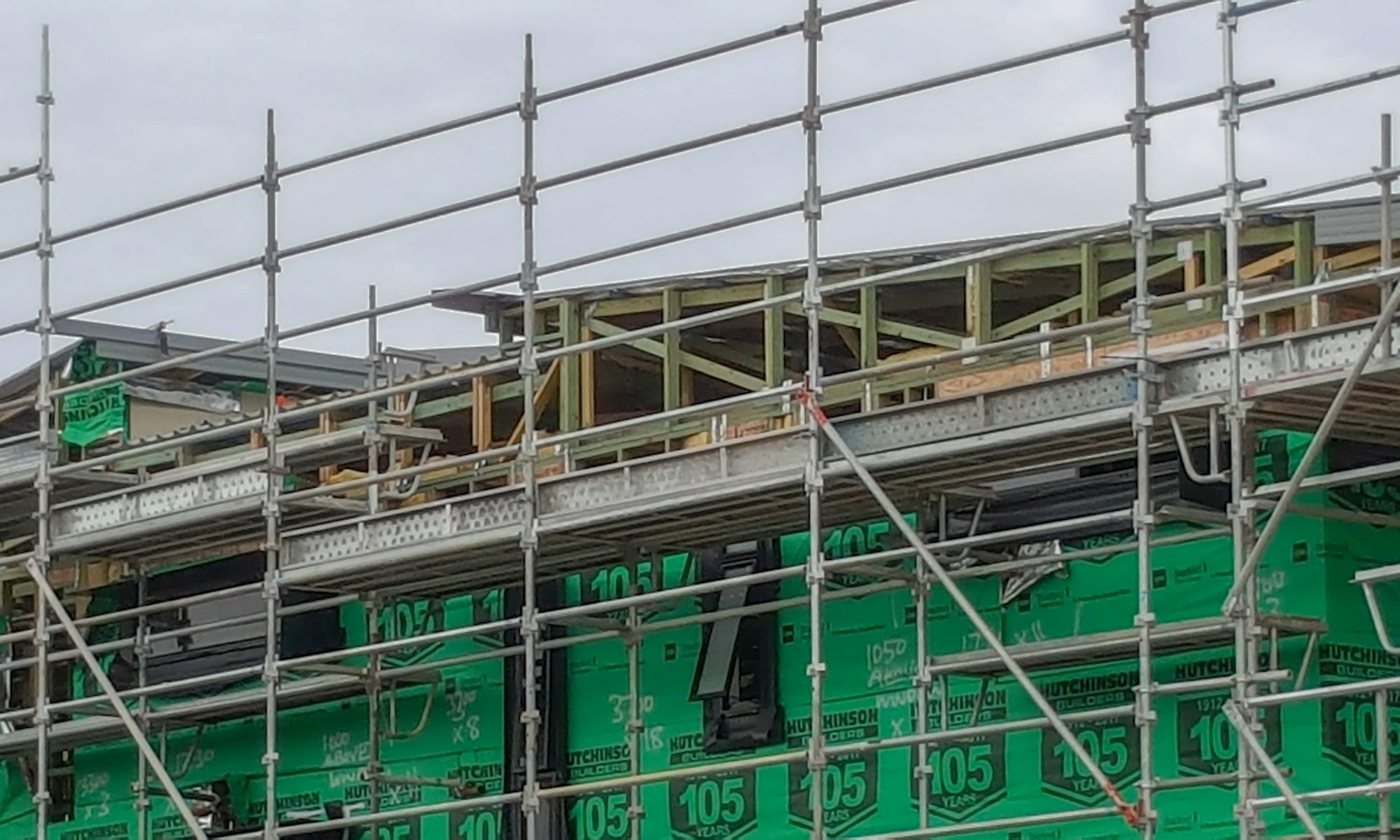 Precision cranes article, scaffold, house frame