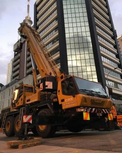 CRS crane hire and rigging's Grove GMK 355
